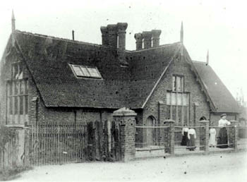 Wootton Infants School about 1900 [Z50/136/28]